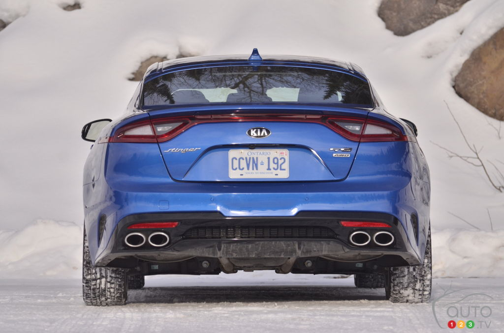 Kia Stinger Gt Line >> Review Of The 2019 Kia Stinger Gt Line Car Reviews Auto123