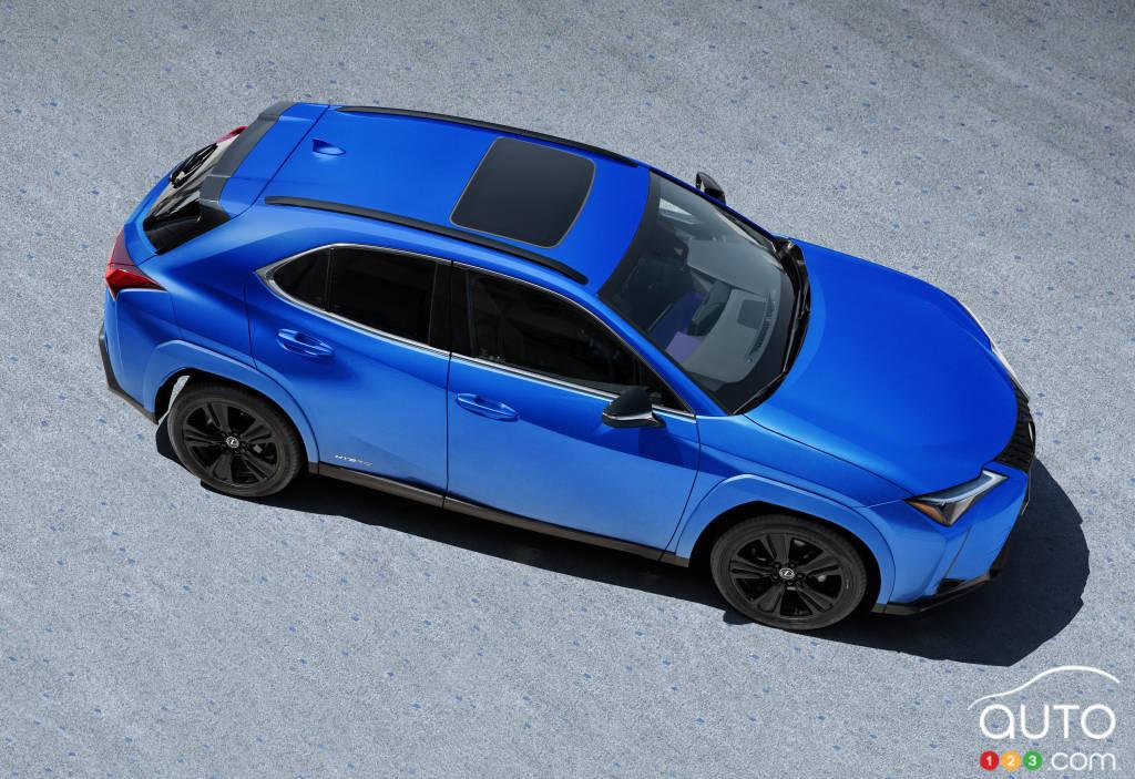 Lexus UX 250h Black Edition 2021, de haut