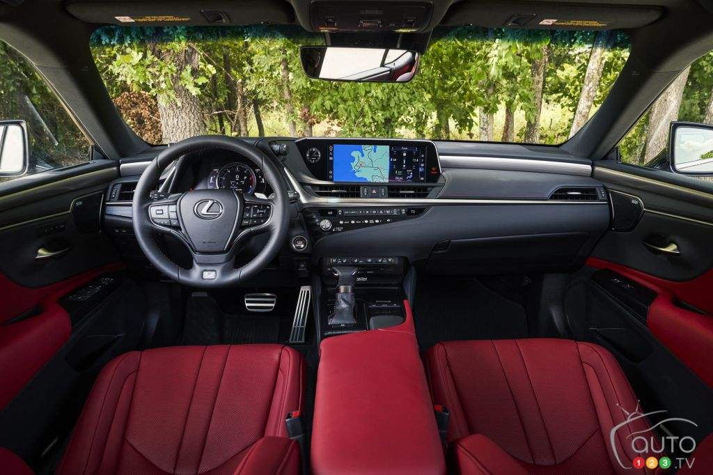 Lexus ES F-Sport 2021, intérieur