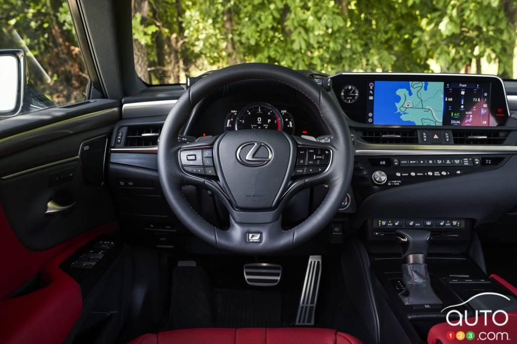 Lexus ES, tableau de bord