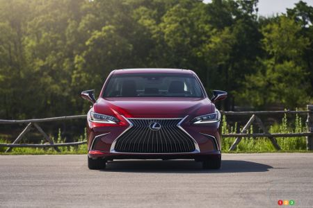 2021 Lexus ES AWD Luxury, front