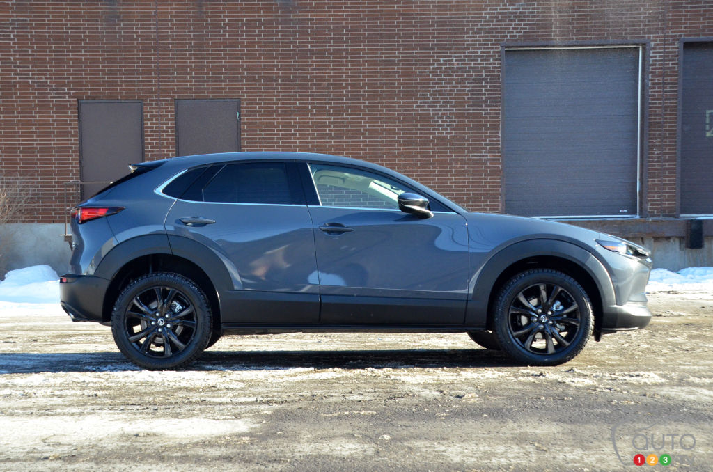 Mazda CX-30 Turbo 2021, profil