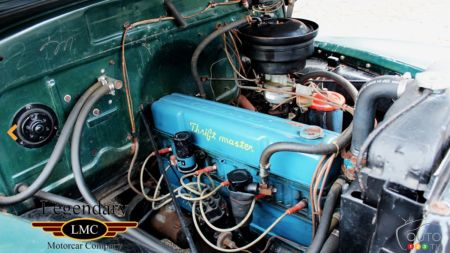 1952 Chevrolet 3800, engine