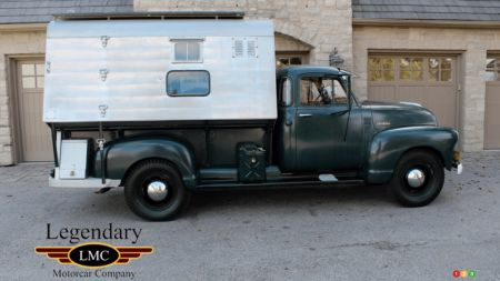 1952 Chevrolet 3800, profile