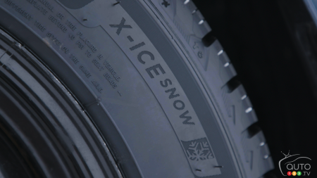 Close-up of the Michelin X-ICE SNOW tire