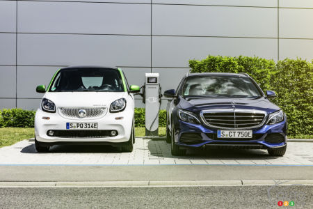 Mercedes-Benz, smart and fast-charging stations