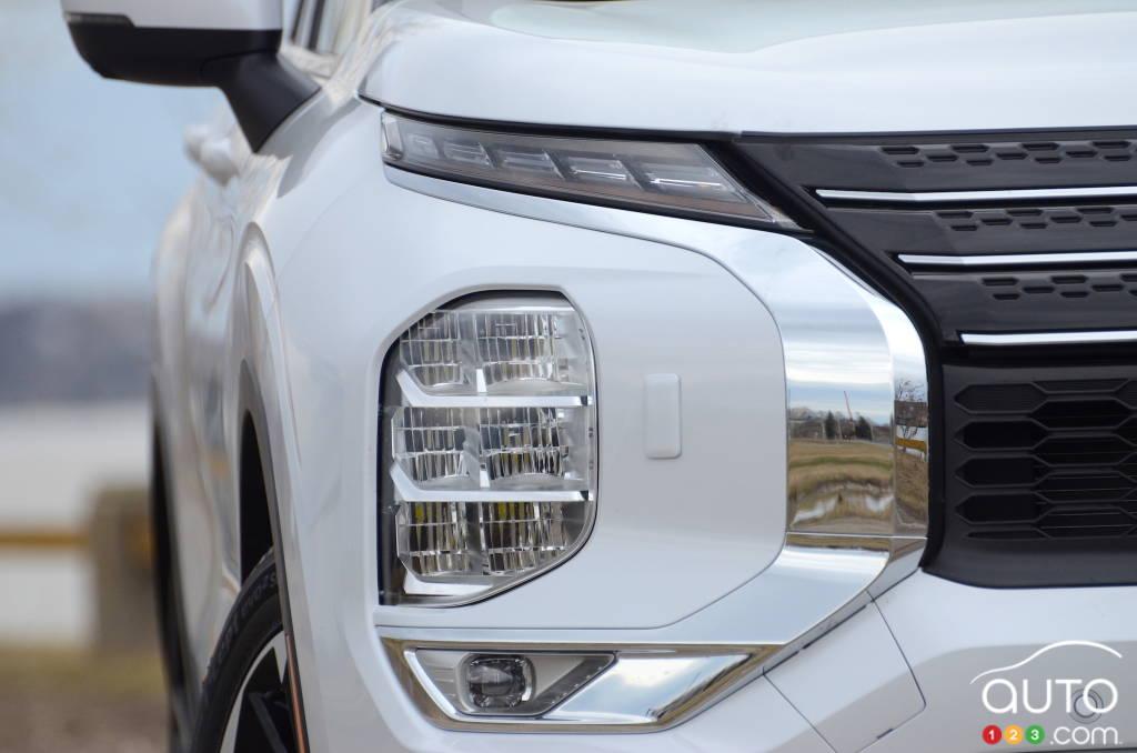 Mitsubishi Outlander 2022, phares