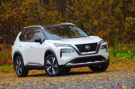2021 Nissan Rogue, three-quarters front