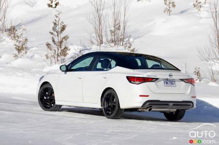 2021 Nissan Sentra SR manual, three-quarters rear