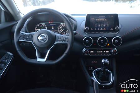 2021 Nissan Sentra SR manual, interior