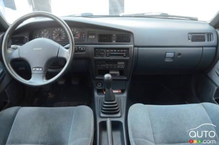 1992 Nissan Stanza, interior