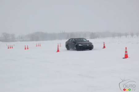One of the most conclusive tests was done with the IceContact with and without studs on a specific circuit at ICAR, mid-storm.