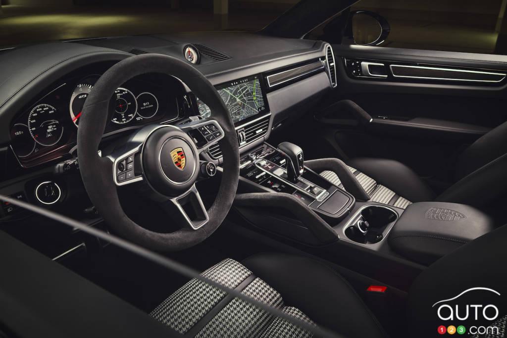 Porsche Cayenne GTS coupé 2021, intérieur