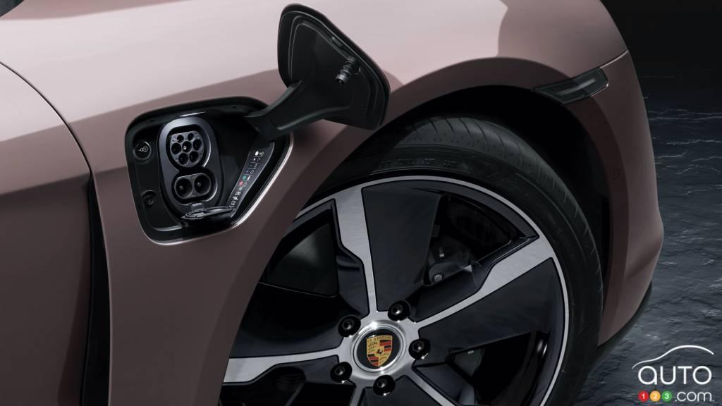 Porsche Taycan 2021 à propulsion, port de chargement