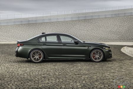 2022 BMW M5 CS, profile