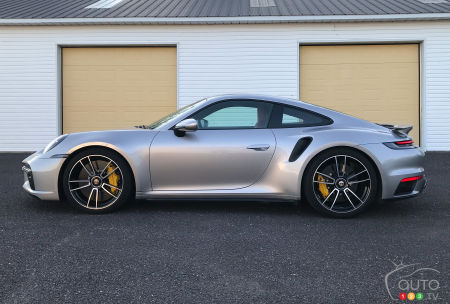 2021 Porsche 911 Turbo S, profile