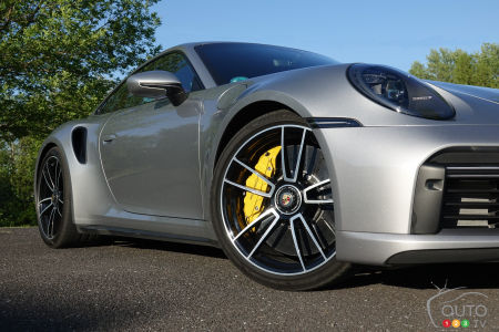 2021 Porsche 911 Turbo S, wheels, brakes