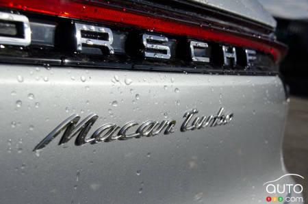 2020 Porsche Macan Turbo, badging