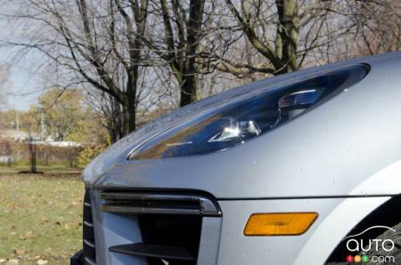 2020 Porsche Macan Turbo, headlight