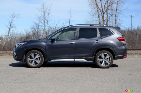 2020 Subaru Forester, profile
