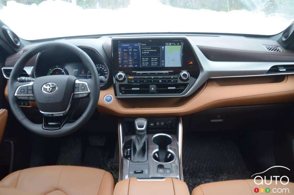 Toyota Highlander hybride 2021, intérieur