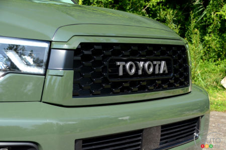 2020 Toyota Sequoia TRD Pro, front grille