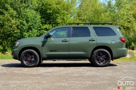 2020 Toyota Sequoia TRD Pro, profile