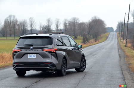 2021 Toyota Sienna XSE, three-quarters rear