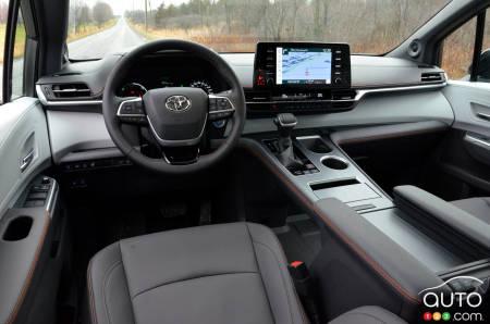 2021 Toyota Sienna XSE, interior