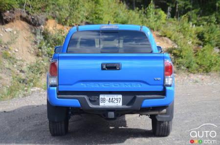 2020 Toyota Tacoma TRD Sport, rear