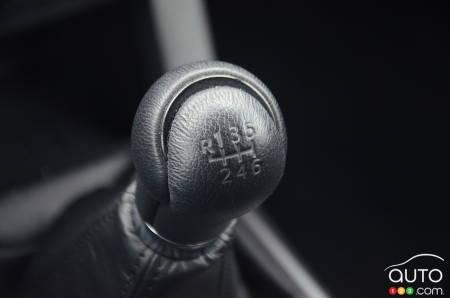 2020 Toyota Tacoma TRD Sport, gear shifter