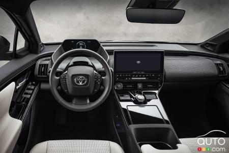 Toyota bZ4X, interior