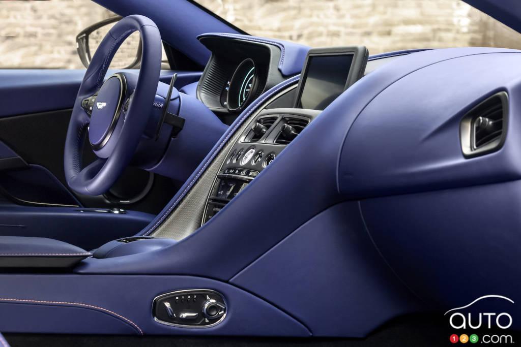 Aston Martin DB11 2020, tableau de bord