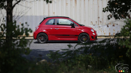 2013 FIAT 500 Abarth Cabrio Review