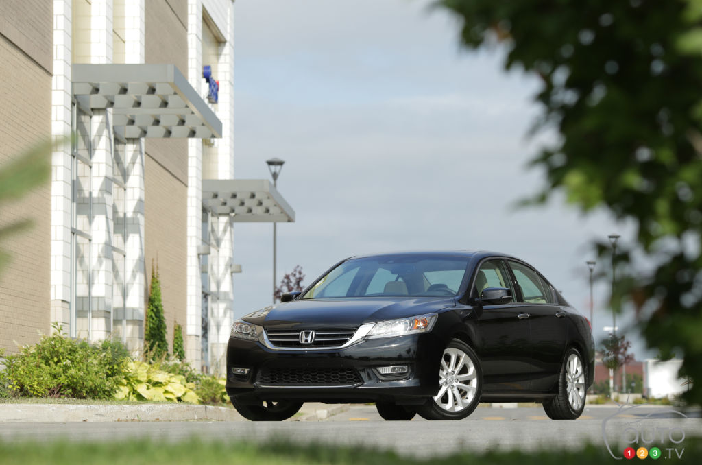 2013 Honda Accord Touring V6 Review Editoru0027s Review | Car Reviews | Auto123
