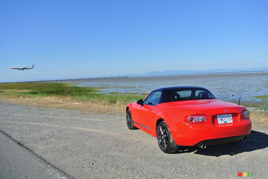 2013 Mazda MX-5 GS Review