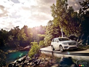 Los Angeles 2014 : débuts des Volvo XC90 2016 et V60 Cross Country 2015 ½