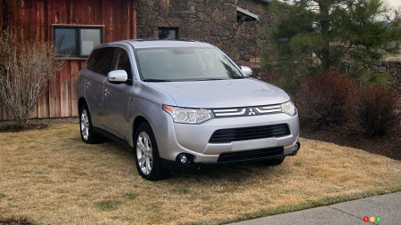2014 Mitsubishi Outlander ES AWC Review