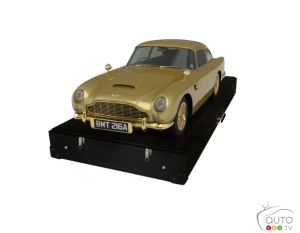 Gold-plated Aston Martin DB5 replica for Goldfinger's 50th anniversary