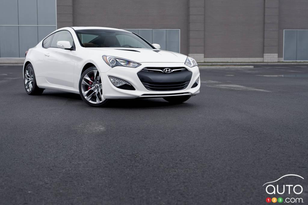2014 Hyundai Genesis Coupe 3.8 GT Review Editoru0027s Review | Car Reviews |  Auto123