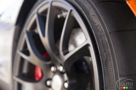 Dodge Viper Tires >> Kumho Official Supplier Of Tires For The 2016 Viper Acr