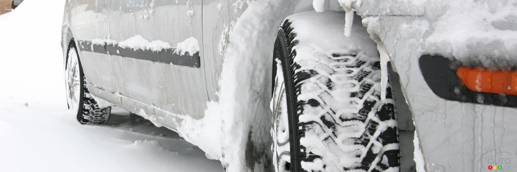 meilleurs pneus d 39 hiver 2015 2016 pour voitures actualit s automobile auto123. Black Bedroom Furniture Sets. Home Design Ideas