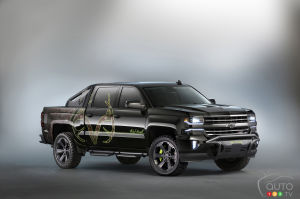 SEMA 2015: Chevy Silverado 1500 and 3500 showcase tuning potential