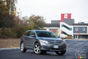 2016 Toyota Venza V6 AWD XLE Redwood Edition Review