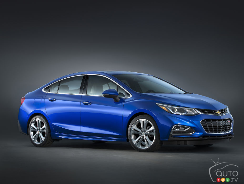 2016 chevy cruze pricing announced for canada car news auto123. Black Bedroom Furniture Sets. Home Design Ideas