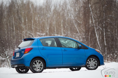 2015 Toyota Yaris Hatchback 5-door SE Review