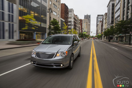 Chrysler Town & Country 2015 : aperçu