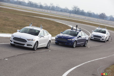 Man is the most vital part of self-driving cars, experts say