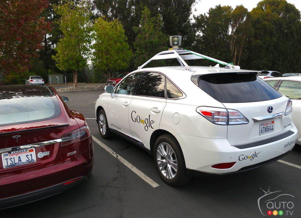 Google's self-driving car to decipher a cyclist's hand signals
