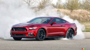 2016 Ford Mustang GT gets hood vent turn signals